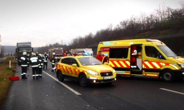 Halálra gázoltak egy 20 éves gyalogost az M1-es autópályán, elítélték a büntetőfékező autóst
