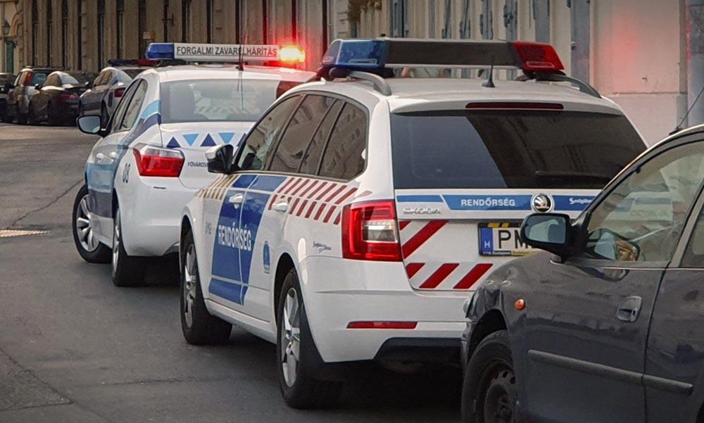 Gázpisztollyal fenyegetett meg két buszozó középiskolás lányt egy férfi
