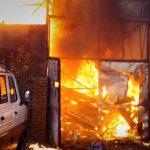 Négyen megsérültek egy kigyulladt épületben a fővárosban