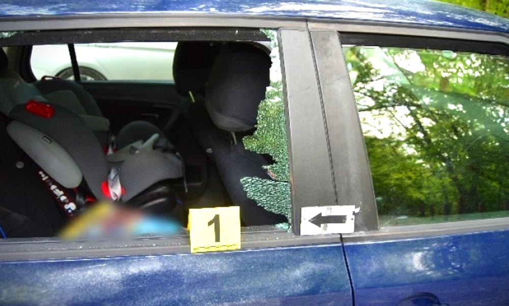 Feltörte az autót, kilopott belőle mindent, a rendőrök tetten érték
