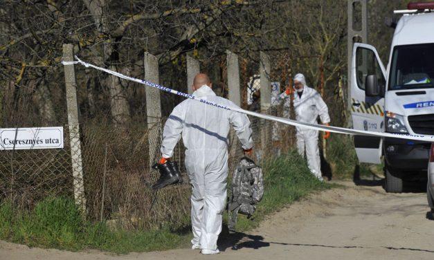 Szennyvízaknába dobta 3 éves öccsét a fiú: órákkal később találták meg a gyerek holttestét