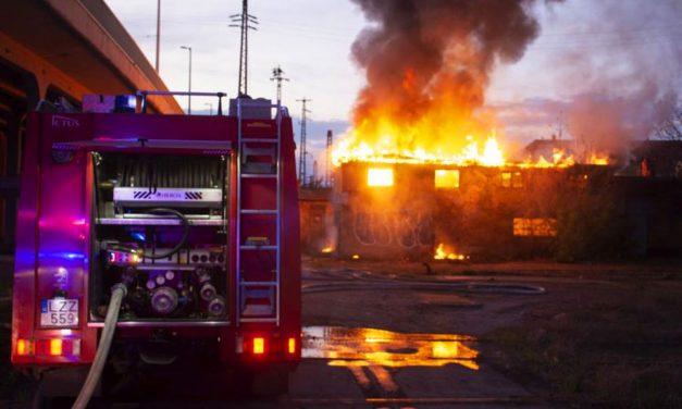Lángolt az Origo korábbi szerkesztőségénél egy szoba, sok tűzeset Budapesten