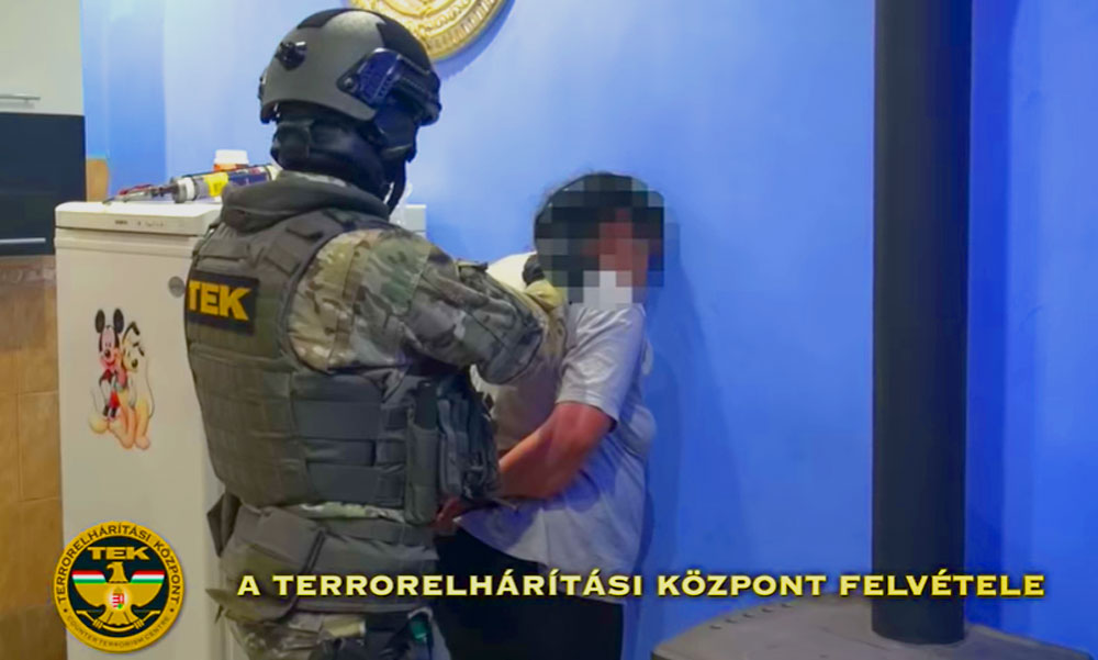 Negyvenkét rendőr csapott le egy dílerre és a vevőire