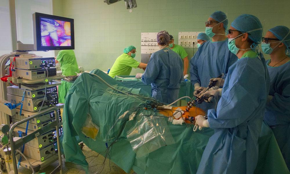 Így kerülhetett a sóoldat mellé a fertőtlenítőszer a Szigetvári Kórház műtőjében – részletek a súlyos műhibáról