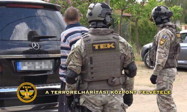 A TEK szerint nem támadt a rendőrökre a férfi, aki intézkedés közben halt meg