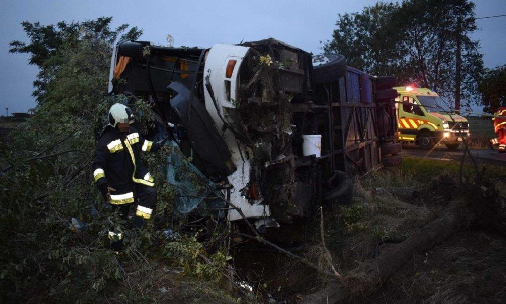 Vádat emeltek a 33 sérülttel járó tótkomlósi buszbaleset ügyében