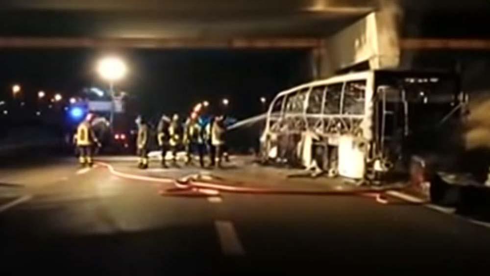 Nem nyugszanak bele az ítéletbe veronai buszbaleset gyászolói, újra perelik az üzemorvost