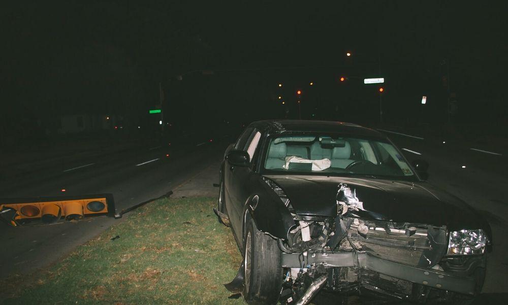 Brutális balesettel indult a szombat reggel – három autó ment egymásba az M1-esen, egy ember meghalt