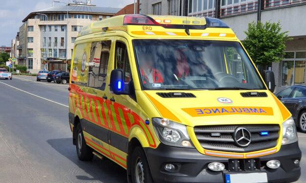 Őrjöngve támadt a kórházi ápolókra a tökrészeg kamaszlány