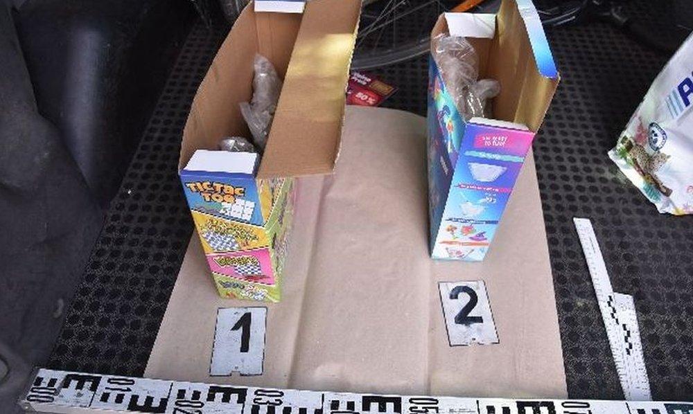 Gyerekjáték dobozaiban találtak drogot a rendőrök