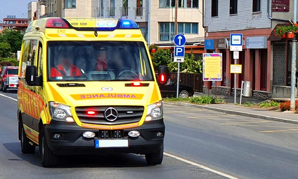 A járdán fekvő idős férfi életét mentette meg a  szabadnapos mentőtiszt