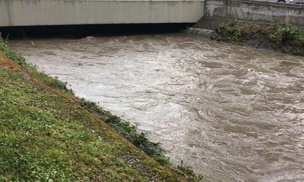 Brutális felvételek: komoly károkat okozott a vihar Egerben és Miskolcon