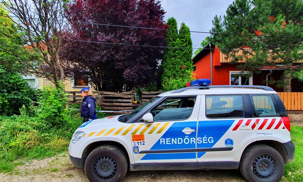 Emberi maradványokat találtak egy házban, a környéket ellepték a rendőrök
