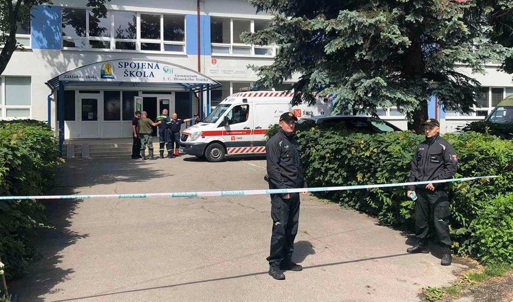 Iskolai vérengzés Ruttkán: egy embert megölt, többeket pedig megsebesített a késelő támadó