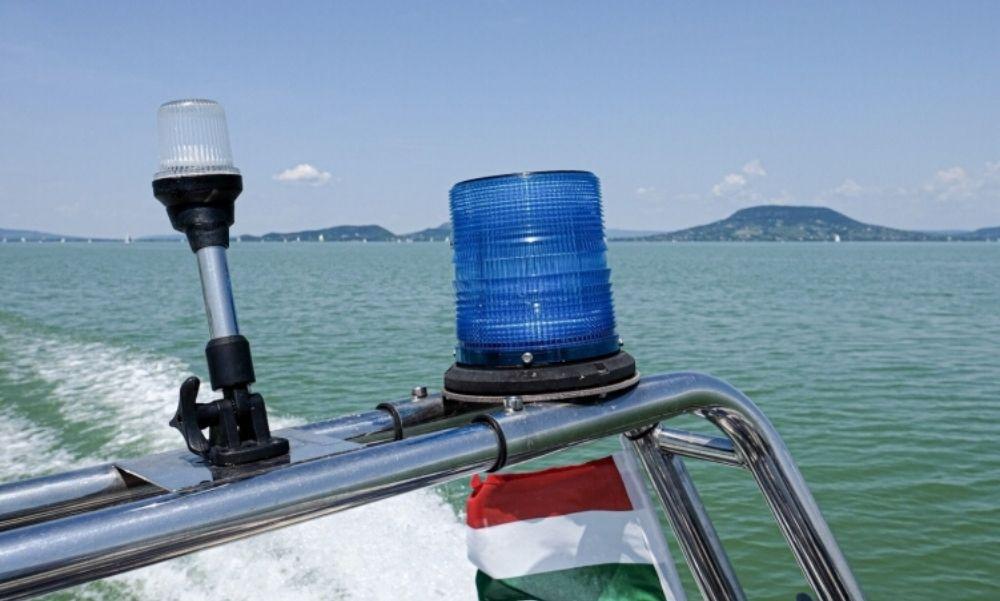 Részegen úszott be a Balatonba egy 43 éves férfi, majdnem tragédia lett belőle