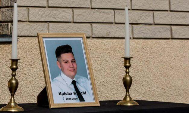 """""""Az ütközés elvette egy törekvő, mindenki által szeretett fiú életét"""" – megszólalt az autóba égett fiú édesapja"""