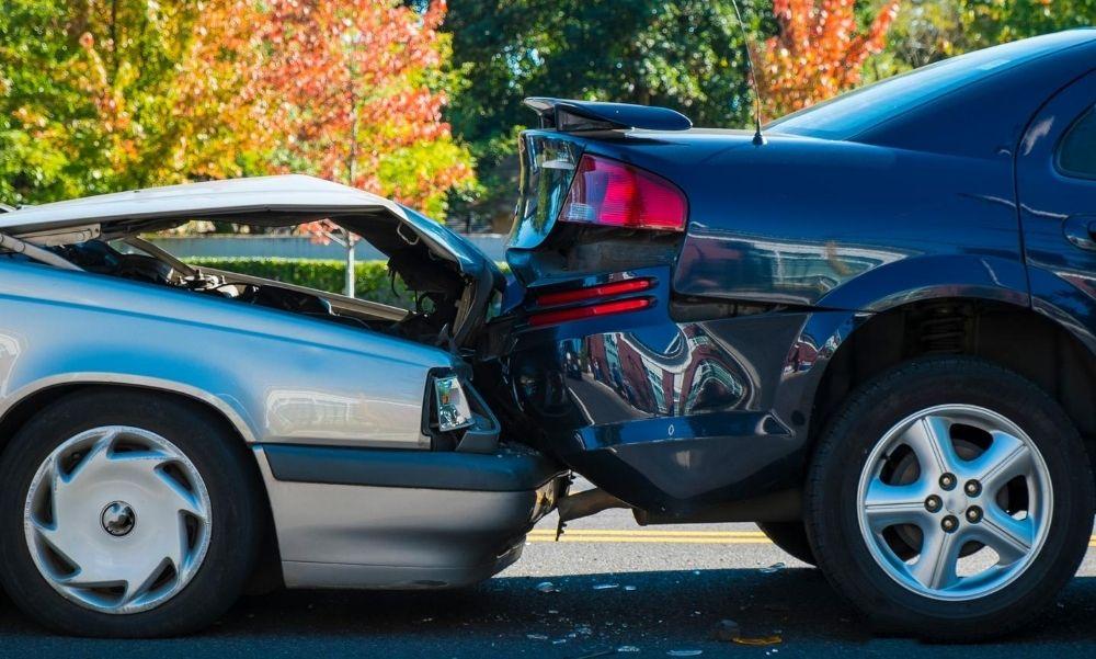 Négy autó rohant egymásba a Könyves Kálmán körúton – A sérültek között gyerekek is vannak