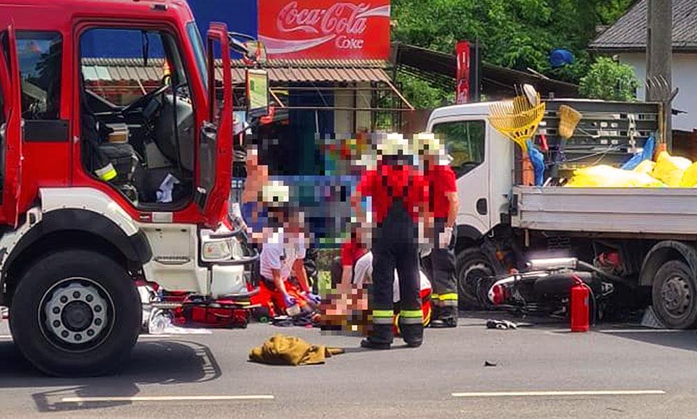 Kisteherautóval ütközött egy motoros Fonyódnál, mentők a helyszínen