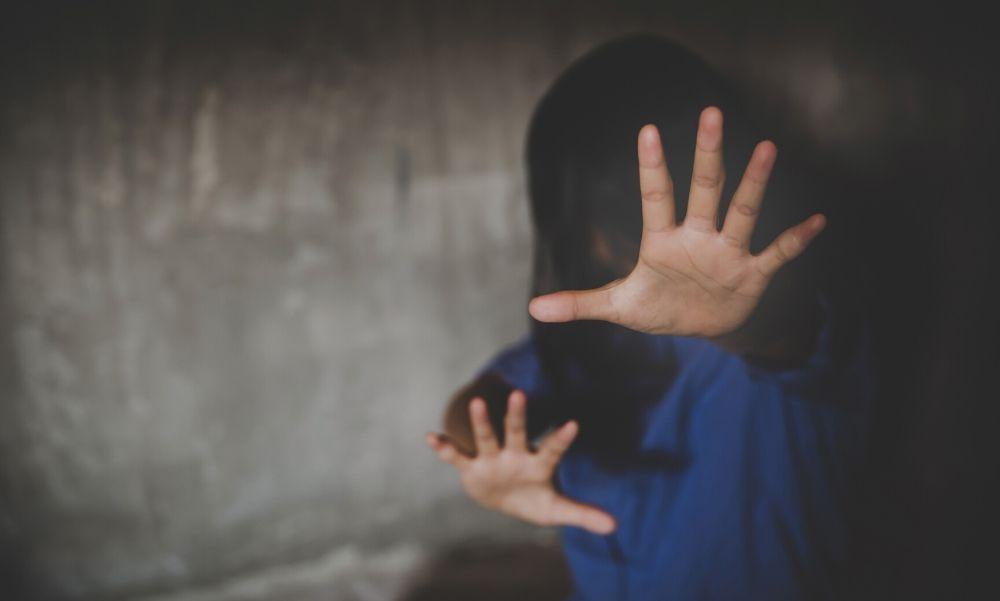 Jogerősen börtönbüntetésre ítélték a gyermekeit veszélyeztető komlói nőt