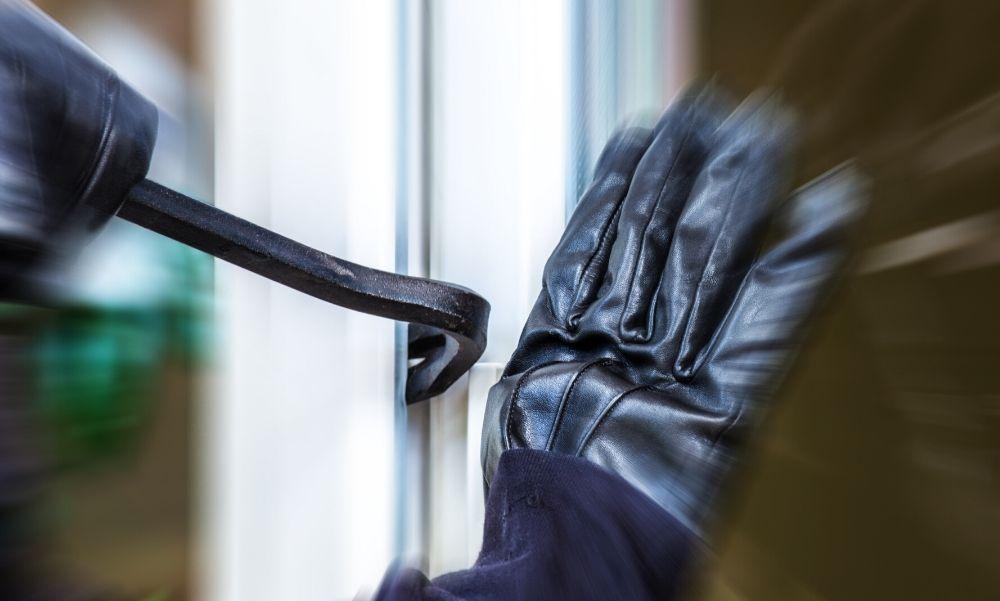 Mindent vitt, amit csak látott, ebbe a Nógrád megyei házba tört be az 54 éves férfi