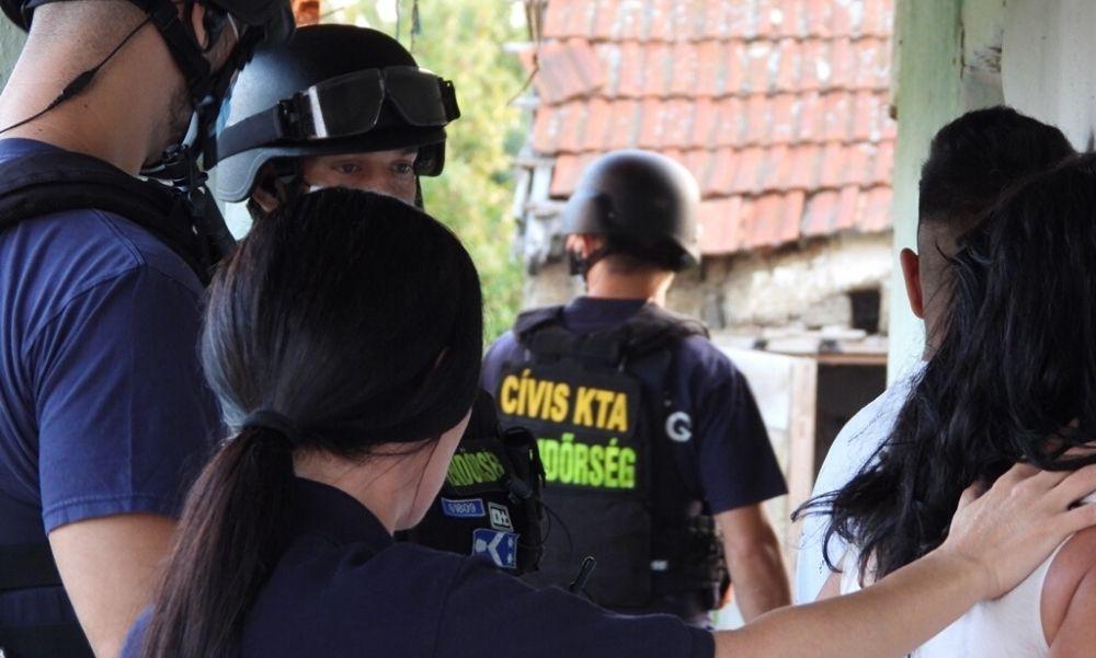 Döbbenetes: rokonai adták el prostituáltnak a 13 éves kislányt