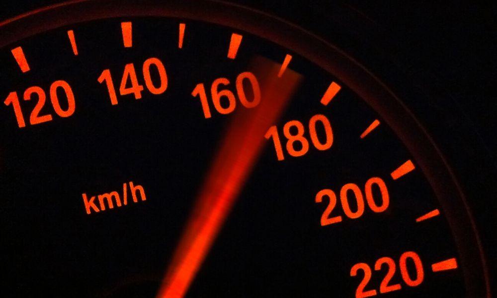 Ellenőrzés Budapest több kerületében: gyorshajtókat füleltek le – videó