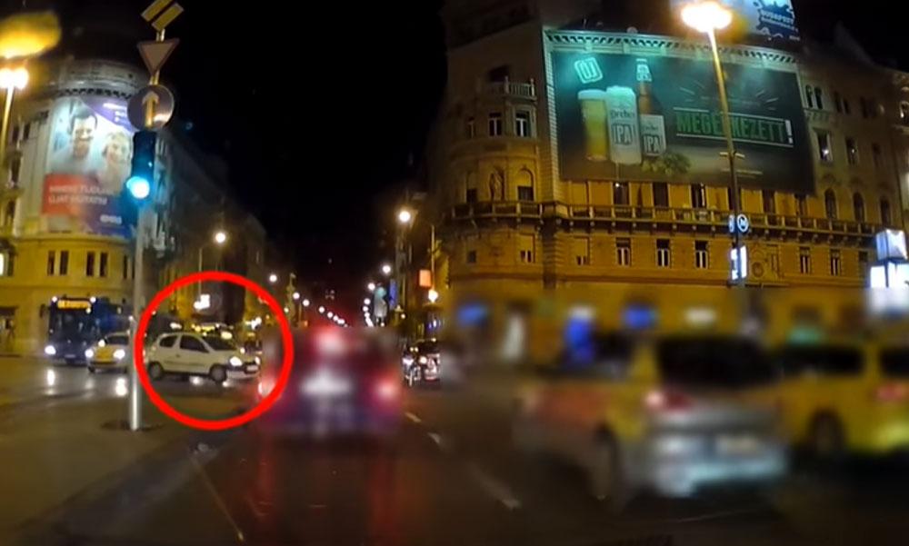 Majdnem tömegbalesetet okozott a Budapesten egy piroson áthajtó autós