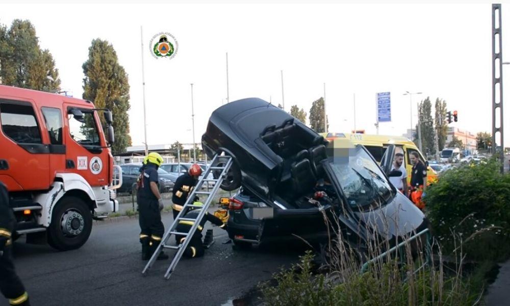 Súlyos baleset Kispesten – Suzuki SX4 S-Cross és egy Opel kabrió ütközött össze – videó