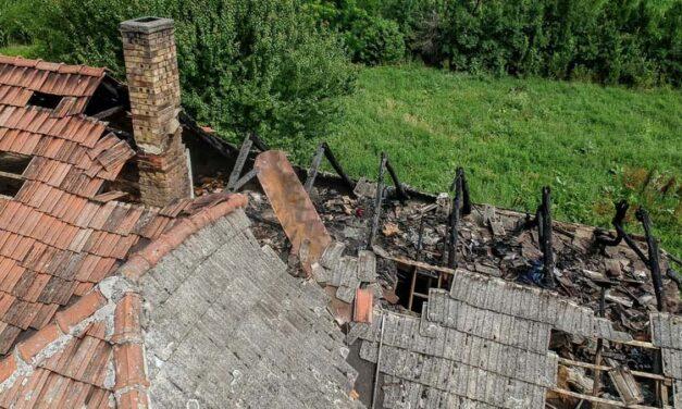 Öt testvérét és szüleit mentette ki a fiú az égő házból
