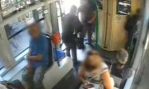 Megszökött a villamoson gyilkoló férfiaknak segítő nő