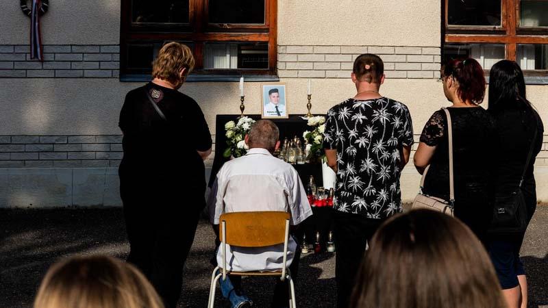 Előszületésnapi bulija után égett halálra édesanyja autójában a 14 éves Kristóf