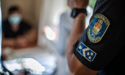 Rohamot kapott egy férfi – így segítettek rajta a rendőrök