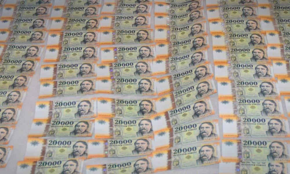 Az átverés művésze a csengeri örökösnő, aki a bűnügyi felügyelete alatt is 8 millió forintot kicsalt másoktól
