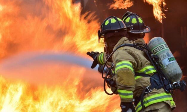 Nagy tűz Budapesten – egy 250 négyzetméteres társasház lángolt – videó