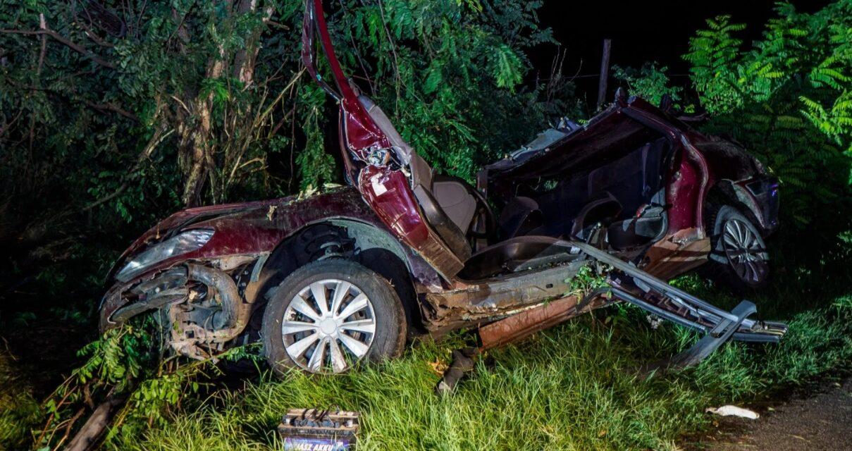 Brutális baleset Izsák és Páhi között: az egyik sérültnek a lába is leszakadt – sokkoló fotók
