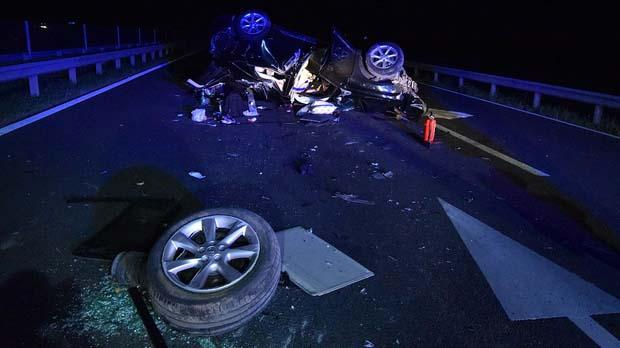 """""""Az autók meg jöttek, futottam előre a mellénnyel, hogy ne hajtsanak bele autóval"""" – láthatósági mellénnyel mentette meg családja életét a baleset szenvedő autós"""