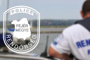 Egy kenujával vízbe borult férfit mentettek ki a rendőrök a Velencei-tóból