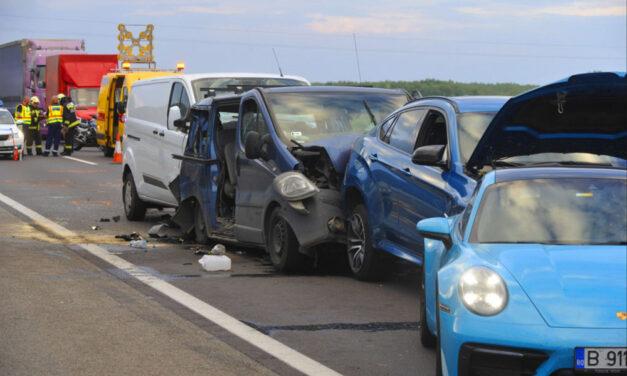 Halálos tömegkarambol az M5-ös sztrádán: Porschébe rongyolt a BMW aztán jöttek a többiek