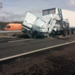 Brutális baleset: 5 kamion ütközött az autópályán