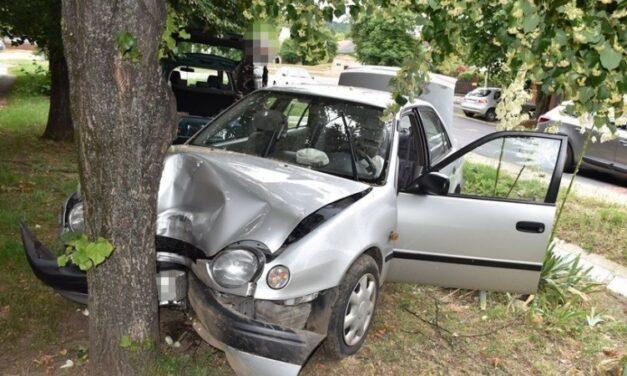 Balesetet okozott a nő, gyermeke és másik utasa súlyosan megsérült