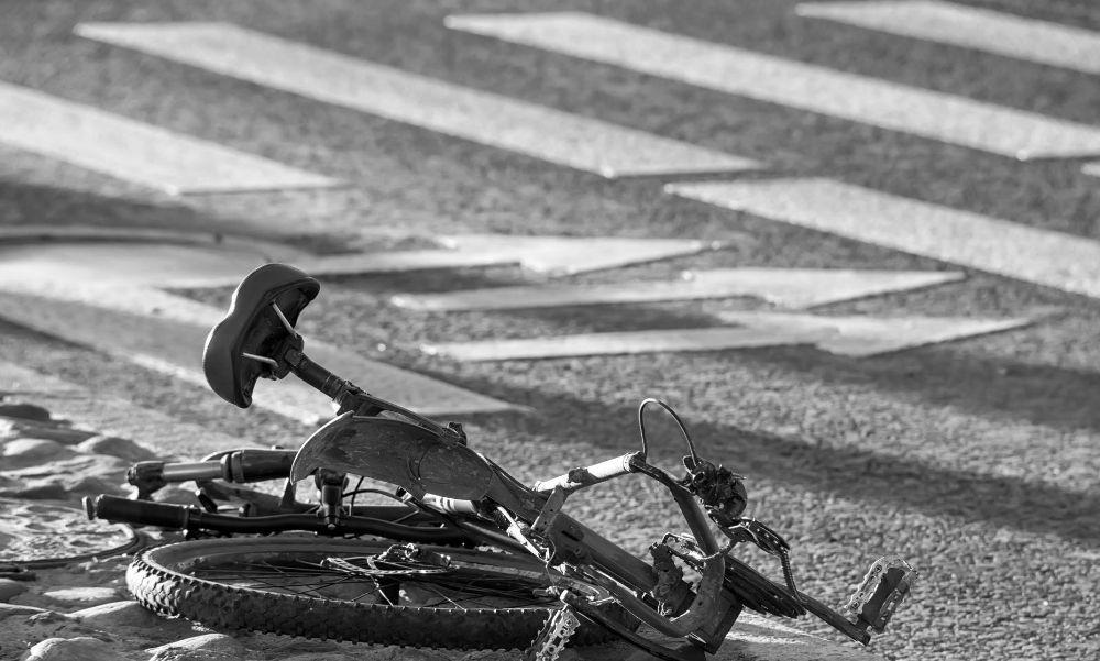 Kerékpárost gázoltak el az 5-ös főúton: a biciklis a helyszínen meghalt