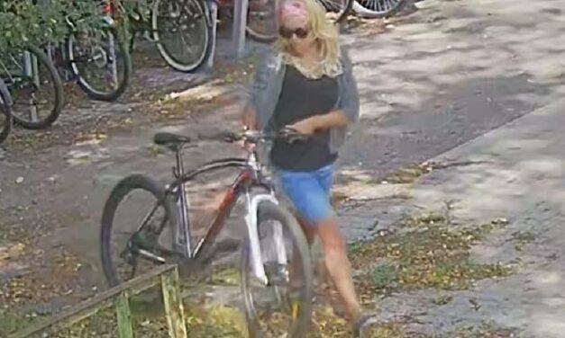 A csinos szőke eltolta a biciklit: a kerékpár azonban nem az övé volt