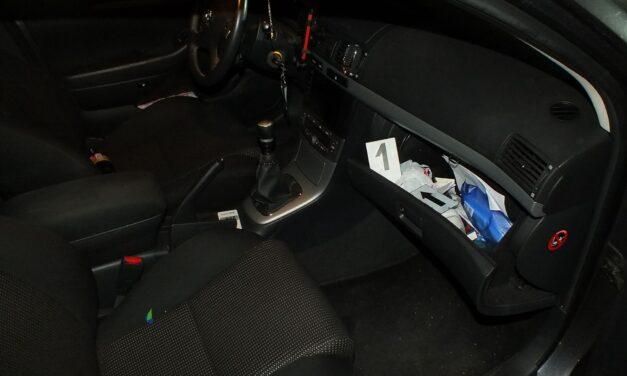 Kábítószer-kereskedőre csaptak le a szabolcsi rendőrök, nagy mennyiségű drogot találtak ennek a férfinak a kocsijában