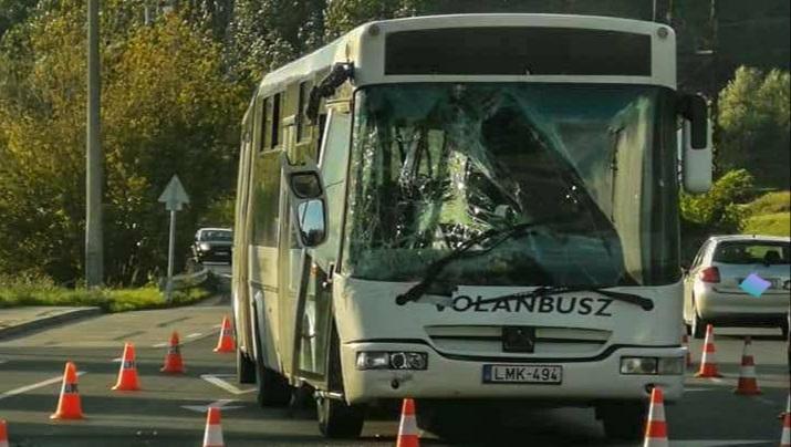 Sopronkövesd és Lövő között súlyos baleset, Eger és Szarvaskő között teljes útzár, buszbaleset Szolnokon