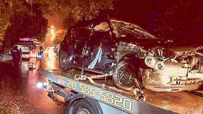 Súlyos buszbaleset Miskolc diósgyőri városrészében, Budapest 18. kerületében szintén menetrend szerinti busz és autó ütközött, Mendén karambol után az oldalára borult egy gépjármű.