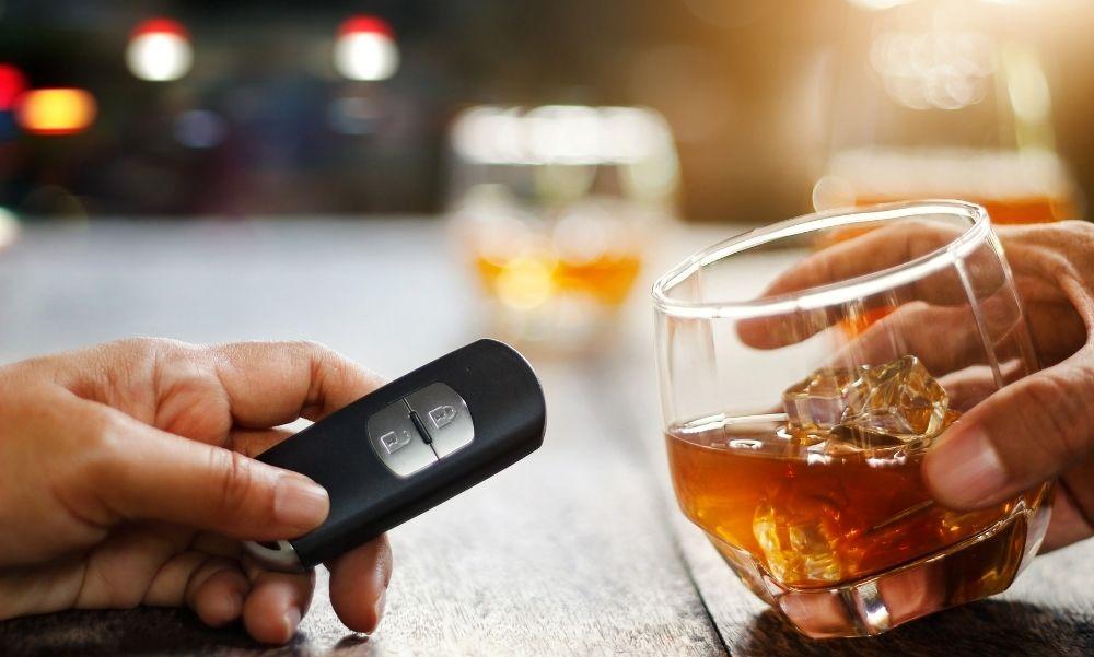 Alkohol és az autóvezetés: Tényleg lazítanának a szabályokon?