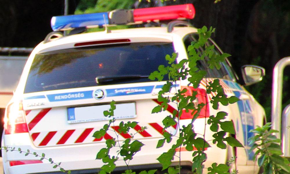 FRISS! Felrobbantotta magát egy férfi Győr közelében, golyóálló mellényben vannak a kiérkező rendőrök