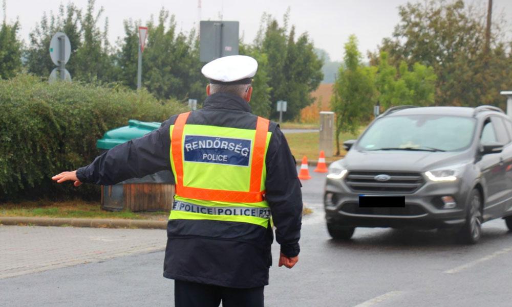 Teljes rendőrségi zárás az M3-as autópályán, egy autós sem menekülhetett