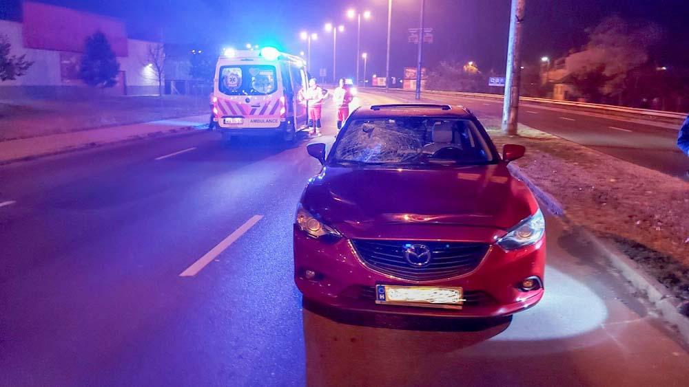 Halálos gázolás Nyíregyházán, mentők kezdtek oltani egy kigyulladt autót Budán