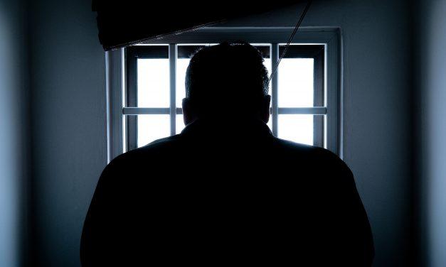 Horror a zárkában: döbbenetes dolgokra kényszerítette cellatársait két férfi, állandó félelmben teltek a rabok napjai